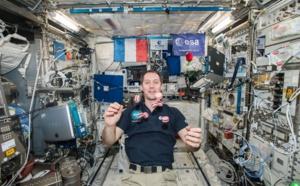 Thomas Pesquet jongle avec les macarons de l'espace