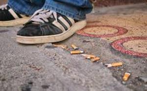 Moins de fumeurs quotidiens parmi les jeunes, mais la France fume encore trop (étude)