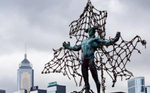 A Hong Kong, l'art se porte au secours des requins