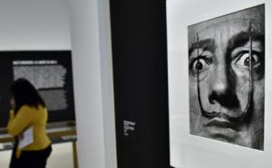 La célèbre moustache de Salvador Dali est intacte