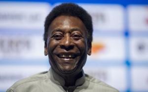 Pelé hospitalisé pour épuisement