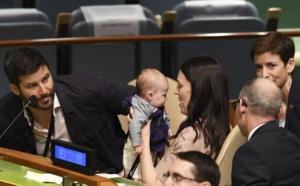 La Première ministre néo-zélandaise et son bébé, vedettes à l'ONU