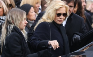 "Sylvie Vartan va sortir un album de reprises de Johnny Hallyday, ""Avec toi..."""