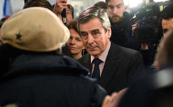 """Fillon, discret depuis plusieurs semaines, défend son programme """"radical"""""""