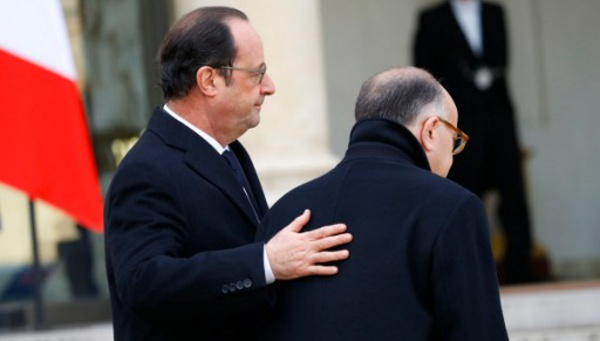 Hollande multiplie les avertissements pour 2017 dans ses derniers voeux présidentiels à Tulle