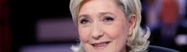 """Marine Le Pen dénonce """"l'abandon de la politique pénitentiaire"""""""