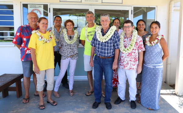 Le ministre des Solidarités visite l'hôpital de Moorea