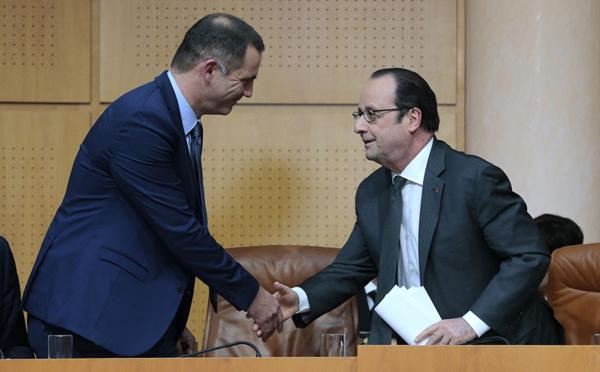 Hollande annonce une aide de l'Etat aux sinistrés des intempéries en Corse