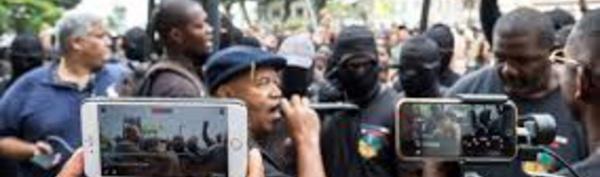 WhatsApp, Facebook live et radios en continu, piliers de la mobilisation en Guyane