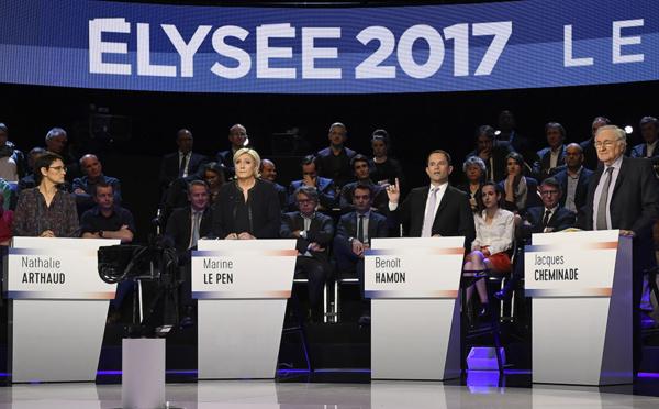 """Présidentielle: dernier round télévisé avant le très ouvert """"match à quatre"""""""