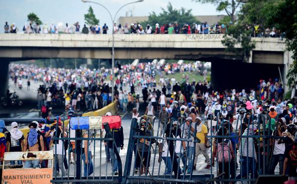Une 25-ème victime au Venezuela en près d'un mois de manifestations