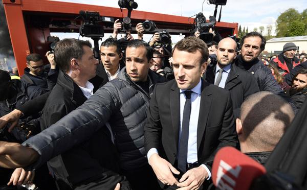 Affrontement à distance Le Pen-Macron à l'usine Whirlpool d'Amiens