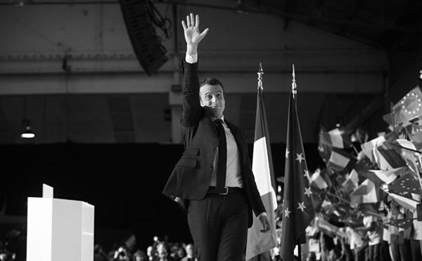 """Les internautes invités à envoyer un """"deuxième bulletin"""" à Macron"""