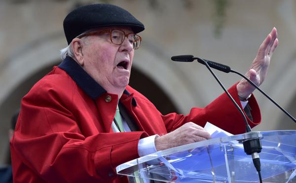 """Pour son père Jean-Marie, Marine Le Pen a """"manqué de hauteur"""""""