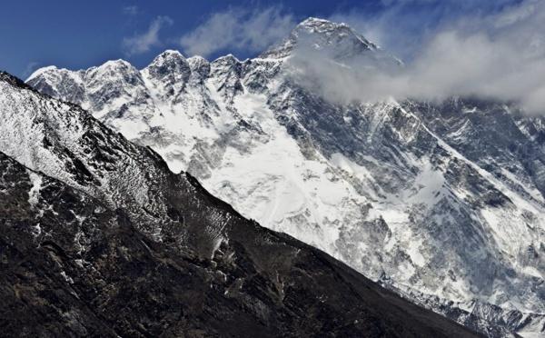 Quatre alpinistes retrouvés morts sur l'Everest