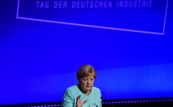 Merkel prête à discuter des idées françaises de réforme de la zone euro