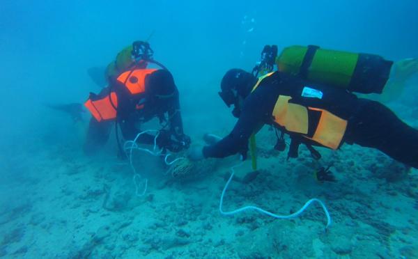 Bora Bora : quatre obus ont déjà été détruits au large