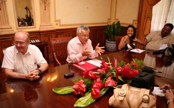 « Le Président Gaston TONG SANG propose aux leaders politiques un gouvernement d'union pour sortir notre Pays de la crise »