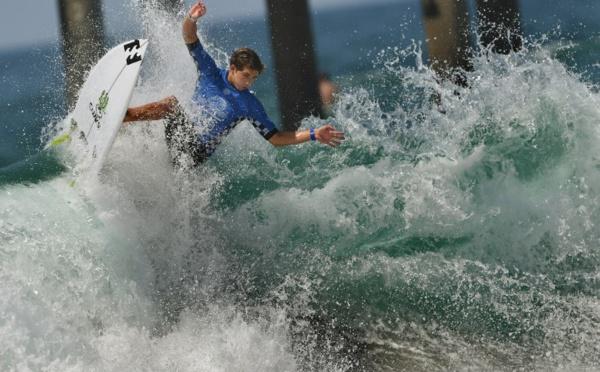 """Surf - Un jeune Américain réussit un """"triple barrel"""", le Graal de la discipline"""