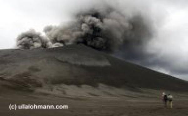 Nouvelles perturbations aériennes en Calédonie à cause d'un nuage de cendres