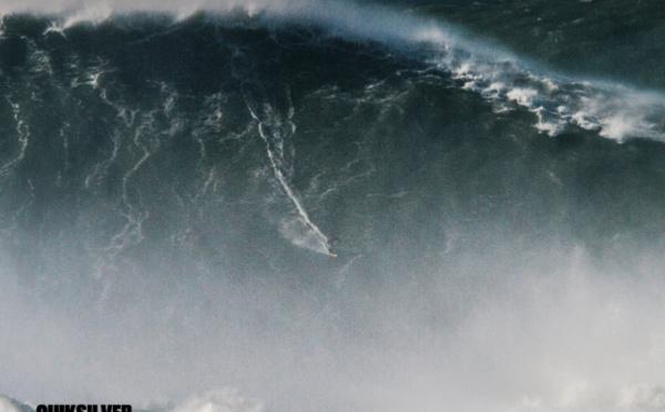 Le record de la plus grande vague jamais surfée battu à Nazaré