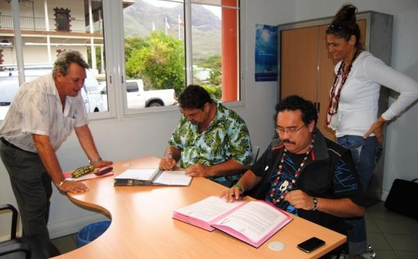 « Signature de la première convention d'occupation temporaire de locaux au profit du Service de la  Jeunesse  et des Sports  à  Nuku-Hiva »