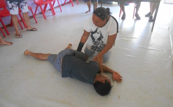 Le lycée Opunohu forme son personnel aux premiers secours