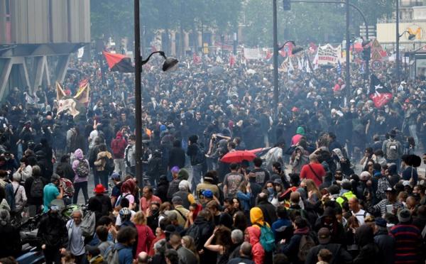 Partis, syndicats, associations main dans la main samedi contre la politique de Macron