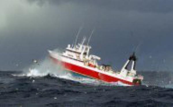Nouvelle-Zelande: Naufrage d'un bateau-usine coréen : trois corps repêchés, trois disparus