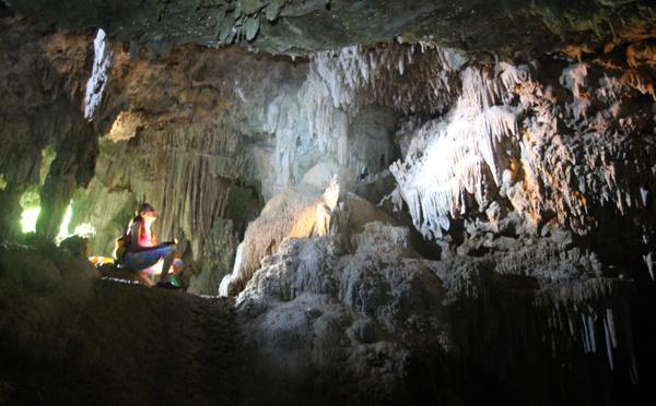 Carnet de voyage: Les grottes secrètes de Rurutu