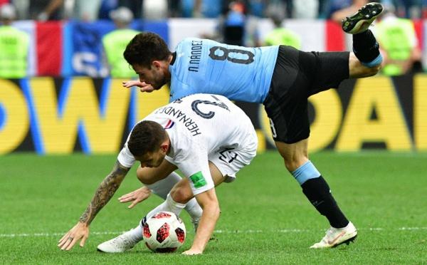 La France se qualifie pour les demies en éliminant l'Uruguay (2-0)