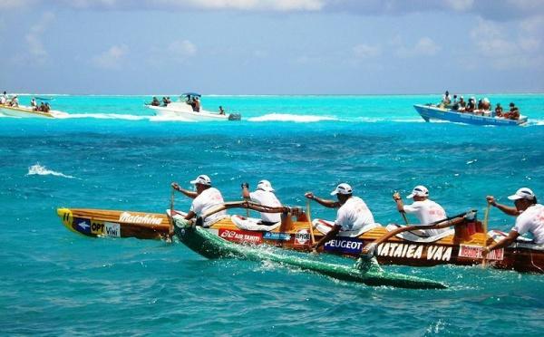 Hawaiki Nui Va'a 2010, c'est parti!  pesée des Va'a et cérémonie d'ouverture.