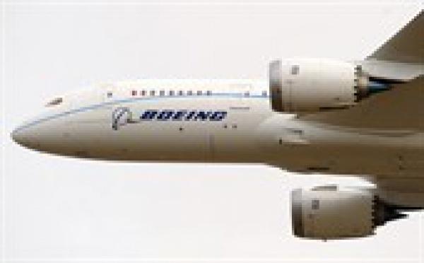 Un problème de réacteur oblige un Boeing de la Qantas à rebrousser chemin