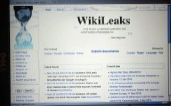 Fuites de WikiLeaks: réaction et révélations.