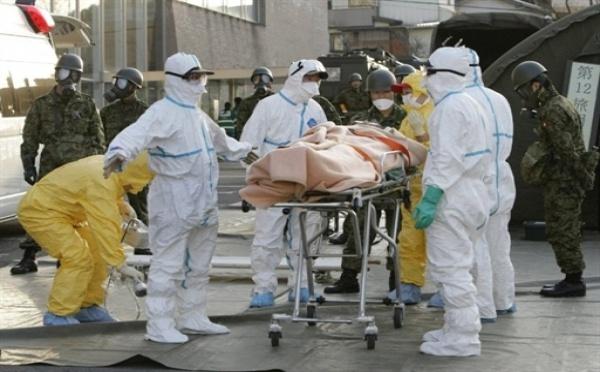 Le Japon lutte pour éviter un accident nucléaire majeur