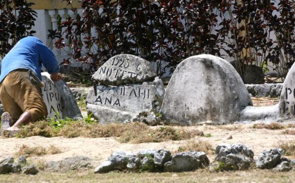Carnet de voyage - Dans les cimetières de Rimatara