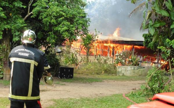 Incendie d'une maison à Huahine