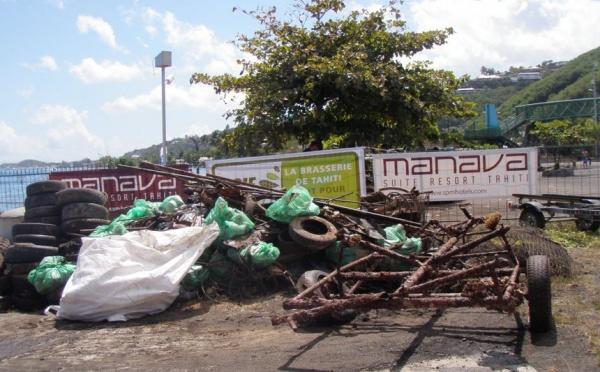 Les pêcheurs sous-marins unis pour nettoyer le lagon de Puna'auia