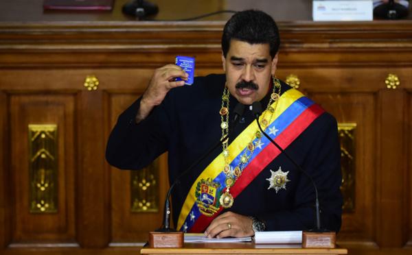 Maduro entame un deuxième mandat contesté dans un Venezuela isolé et en crise