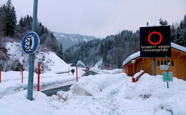 Un village suisse coupé du monde suite à une avalanche