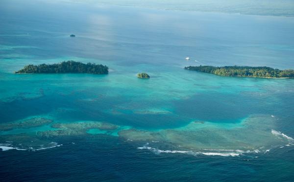 Craintes de marée noire sur un récif du Pacifique