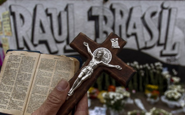 Tirs dans un collège au Brésil: 8 morts dans une attaque d'anciens élèves