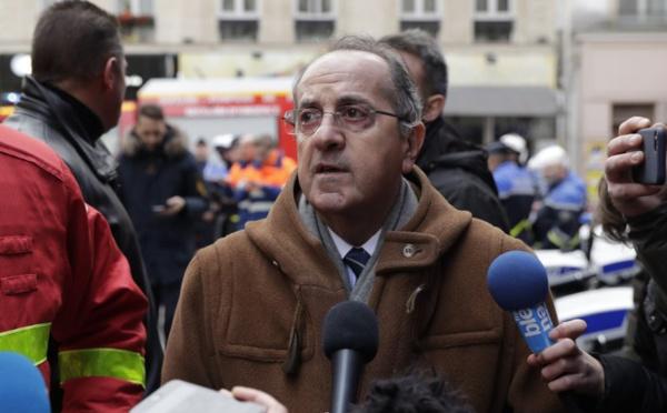 """""""Gilets jaunes"""" : le préfet limogé, des manifestations interdites"""