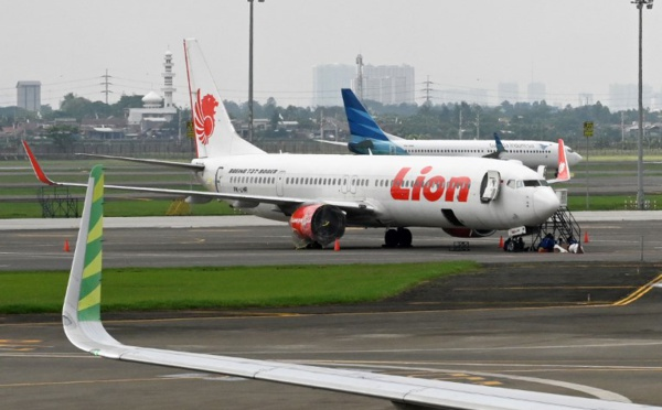 Indonésie: un 3e pilote dans le Boeing de Lion Air la veille du crash