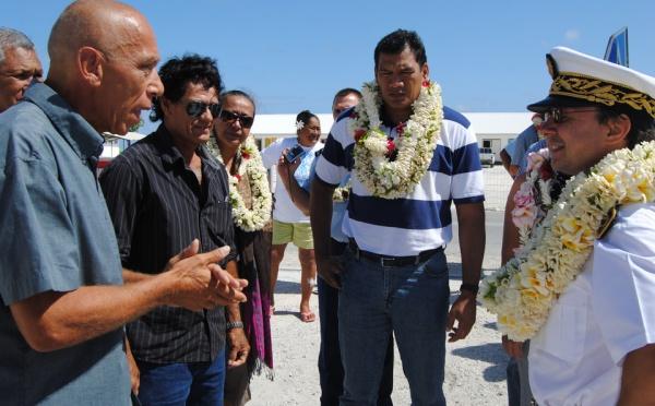 Internats: une délégation Pays-Etat à la rencontre des élèves des Tuamotu