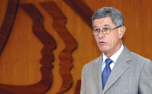 """N-Calédonie: le sénateur Frogier appelle à un deuxième référendum """"le plus tôt possible"""""""