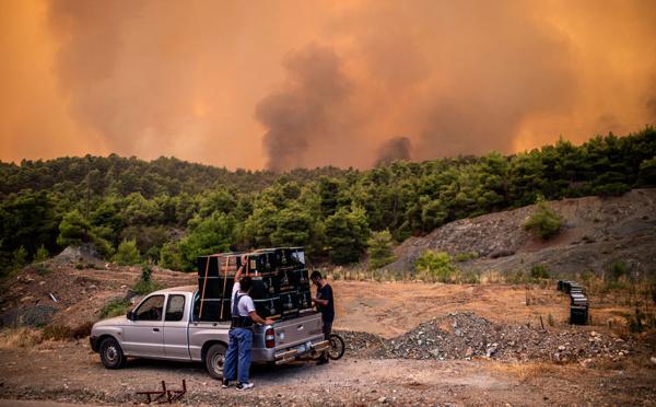 Grèce: important incendie sur l'île d'Eubée, 500 habitants évacués