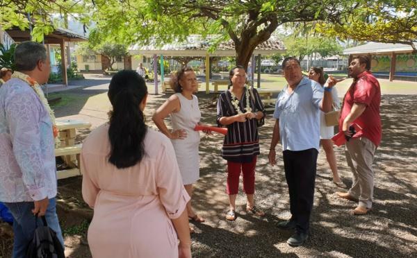 Visite ministérielle aux airs de campagne à Papara