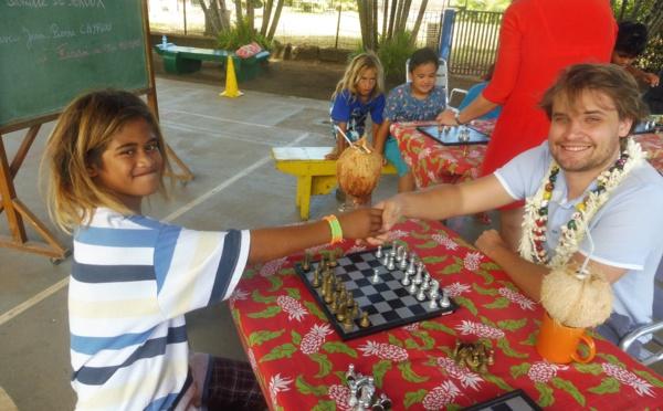 Deux maîtres d'échecs à Tahiti