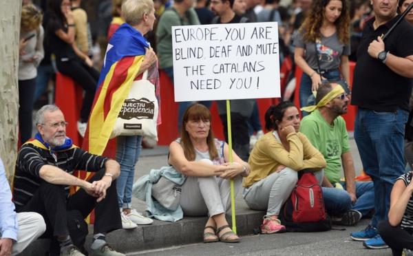 Catalogne: grève générale et manifestation à Barcelone après de nouvelles violences